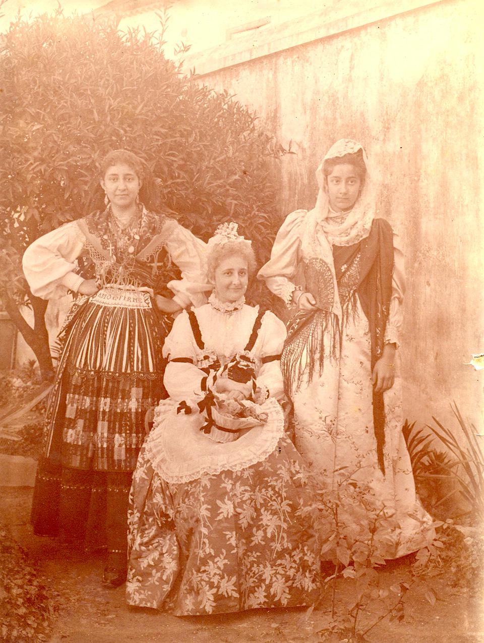 Eugénia, Luiza e Anica